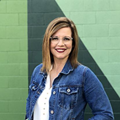 Picture of Jennifer Stewart-Sampson.